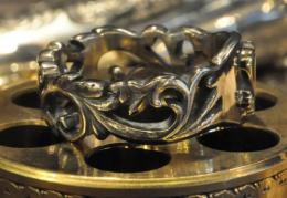 R-MFC005 : Flower Carving & M RING