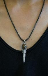 16NT-FE202SB : PENDANT / FEATHER & CALAVERA
