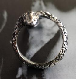 19R-SN001SD : XIII SNAKE DIAMOND RING